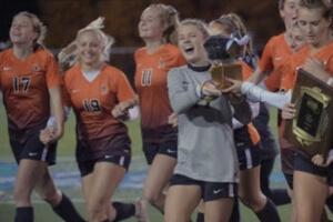 Taylor Sammons celebrates with teammates